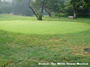 ホワイトハウス内にあるゴルフ場の写真画像