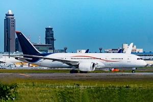 成田空港での旅客機の発着助教を示す写真画像