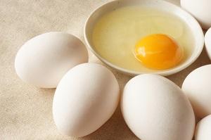 生卵の写真画像