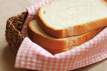 切り分けられた食パンの写真